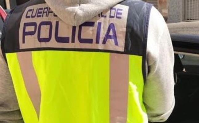 Detenida una joven de 18 años por robar a personas mayores utilizando el método del 'hurto amoroso'