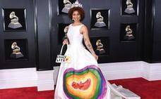 La otra cara de los Grammy: los vestidos más extravagantes de las estrellas