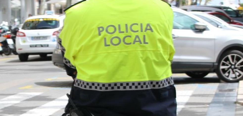 Detenido un hombre que robaba por encargo en tiendas de ropa