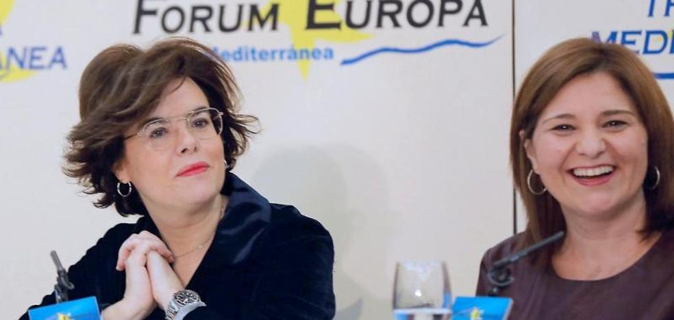 Isabel Bonig ofrece una bajada masiva de impuestos e inmersión lingüística en inglés