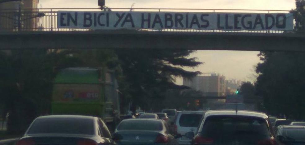 Los atascos desatan la colocación de pancartas en Valencia