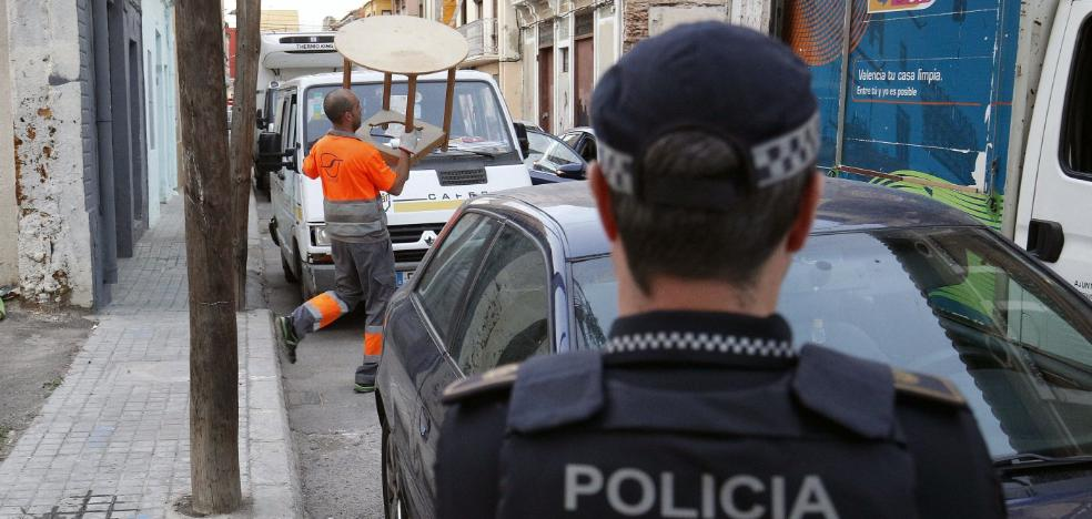 La baja laboral de uno de cada doce policías locales agrava la falta de plantilla en Valencia