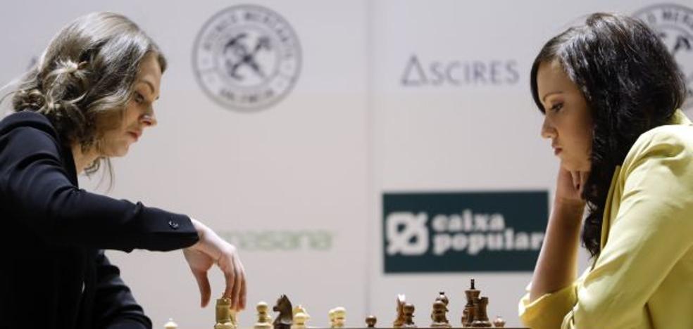 La ajedrecista Anna Muzychuk, en Valencia: «He perdido mis títulos pero la partida no ha terminado»