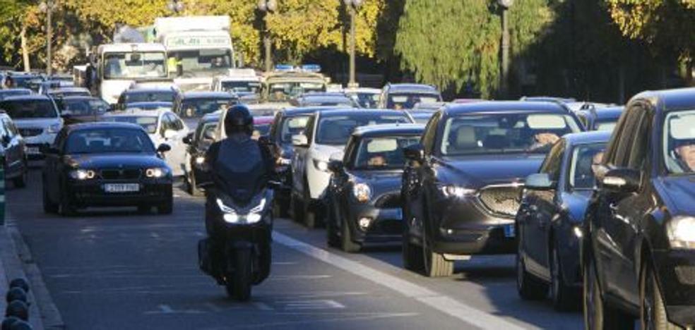 Los atascos también aumentan la contaminación en Valencia