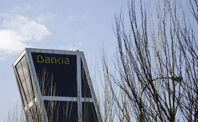 Bankia rebaja a 2.050 las salidas por el ERE y sube las indemnizaciones