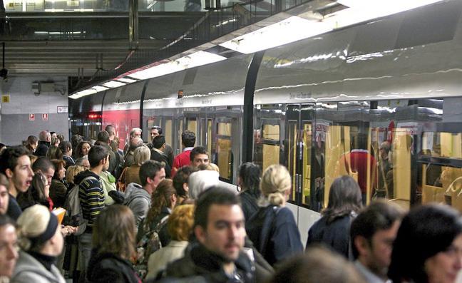 Metrovalencia ofrece servicios especiales tras el partido entre Valencia y Barcelona