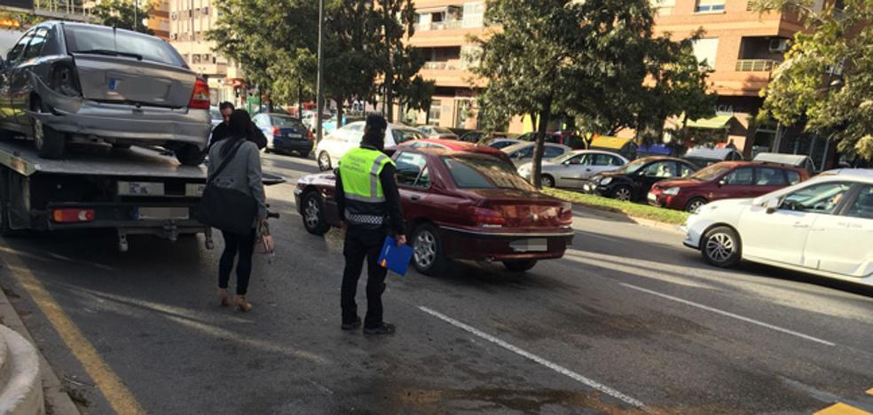 La nueva avenida del Cid se estrena con un accidente grave