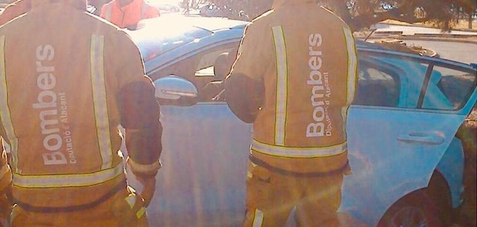 Un vehículo choca contra un murete entre Moraira y Calp al desvanecerse el conductor