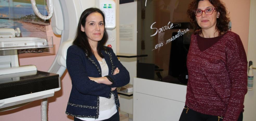 Expertas defienden la autoexploración como factor clave para prevenir el cáncer de mama