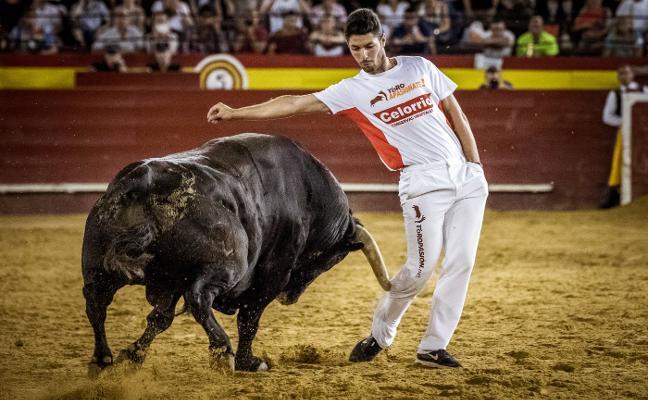 Desafío vazqueño en  las Fallas de Valencia