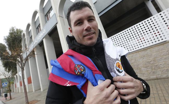 «Estoy orgulloso de haber sido capitán de los dos equipos de la ciudad. Cada derbi es especial y diferente»
