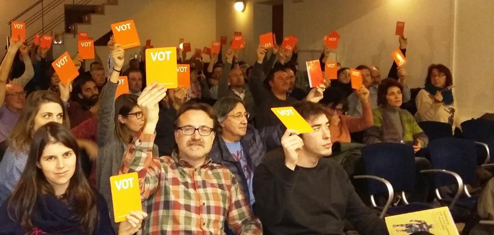 Álvaro abandona la asamblea de Els Verds tras aceptar el partido su cese fulminante