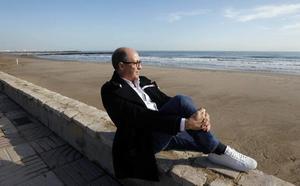 Alfredo Esteve, inspiración frente al mar