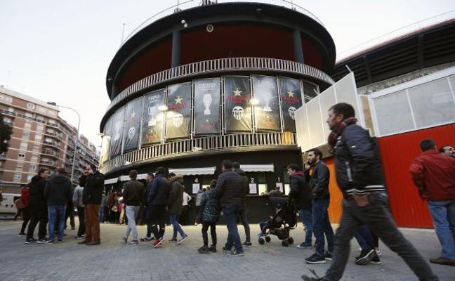 El Valencia CF negocia ampliar el plazo para derribar Mestalla
