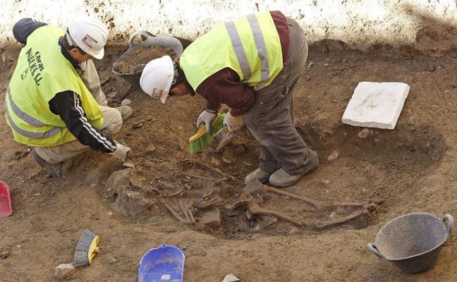 La marcha de arqueólogos amenaza con colapsar las licencias en Ciutat Vella