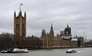 El paquete sospechoso detectado en Westminster no era «peligroso»