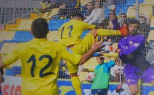 La brutal patada que deja diez puntos en la cara del portero del Castellón Alejandro Zagalá