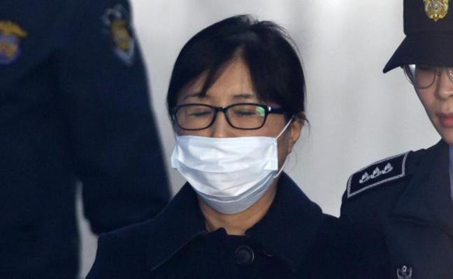Un tribunal surcoreano condena a 20 años de cárcel a la 'Rasputina'