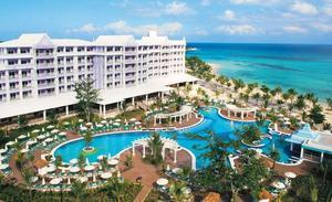 En libertad el dueño de los hoteles RIU tras pagar en Miami una fianza de 20.000 dólares