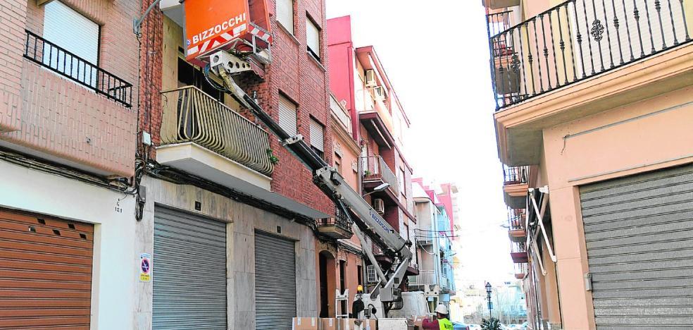 Paiporta inicia un plan de choque para sustituir 700 puntos lumínicos públicos