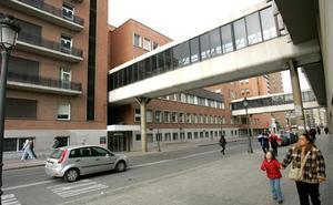 Un hombre asesta tres cuchilladas a su hermana en una vivienda de Valencia