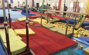 Los gimnastas del Antares de Valencia entrenan en el siglo pasado