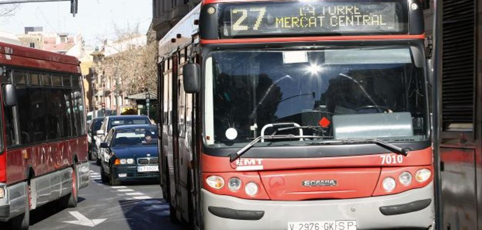 Conductores denuncian que no han recibido formación sobre las nuevas líneas de la EMT