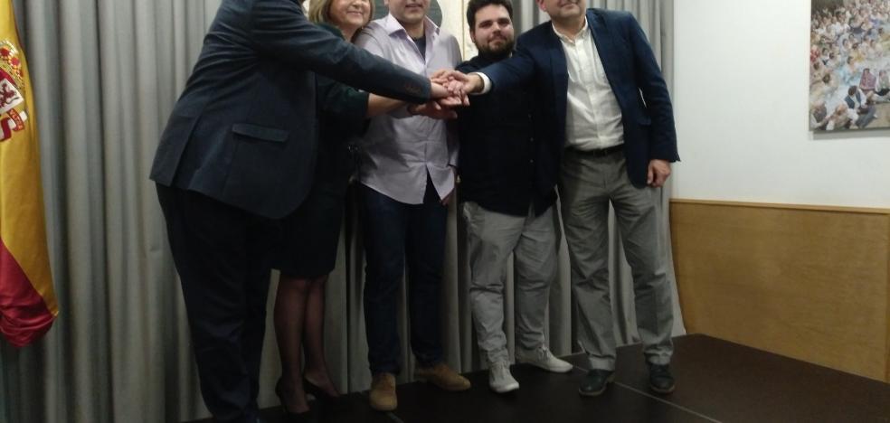 L'Antiga de Campanar da el 'sí quiero' a Carsí y a Pérez para las Fallas 2019