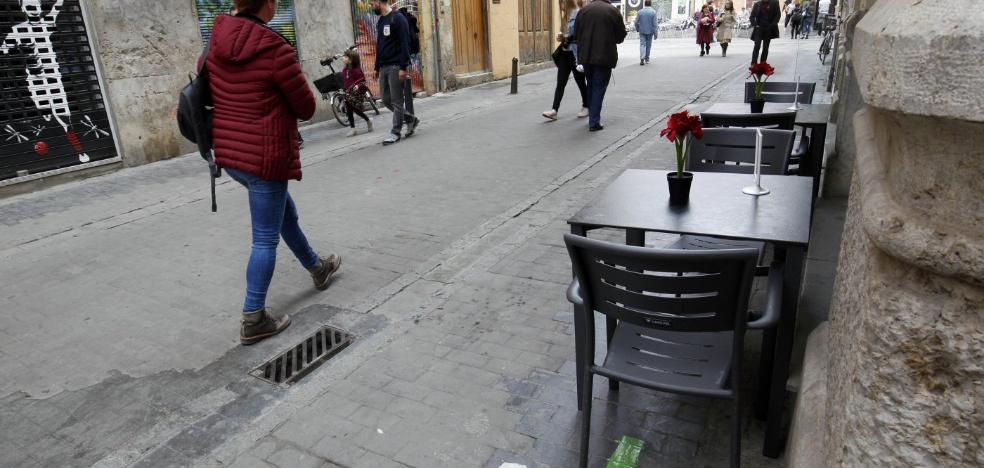 El Ayuntamiento reordena las terrazas en el barrio del Carmen
