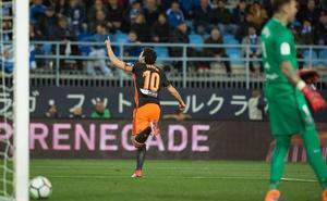 El Valencia sufre para ganar al colista