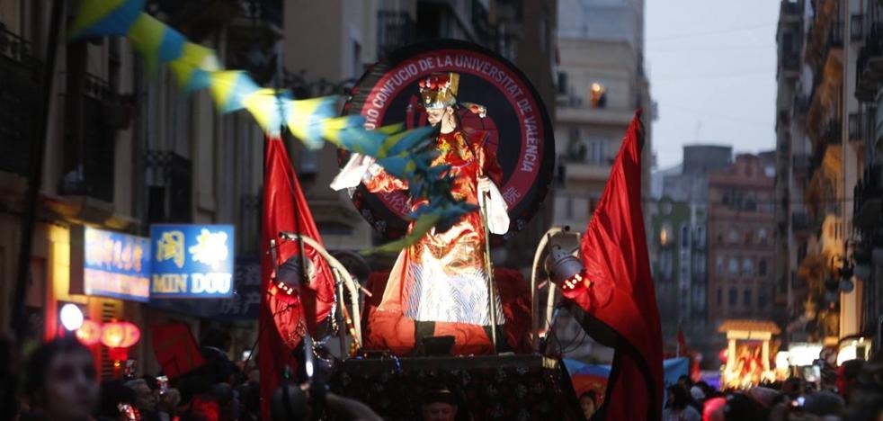 Valencia celebra el nuevo año chino: el año del perro