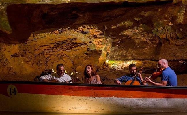 25 citas para encontrar el amor: el First dates valenciano dentro de una cueva