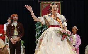Mónica Oltra, proclamada fallera mayor de su falla