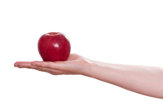 Investigadores de la UPV desarrollan snacks de manzana enriquecidos con probióticos