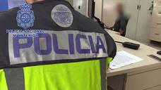 Detenidos en la plaza del Ayuntamiento dos fugitivos tras llevarse a un bebé de un centro social