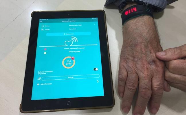 Un médico del centro de salud de Gata de Gorgos desarrolla la primera APP con pulsómetro para detectar arritmias