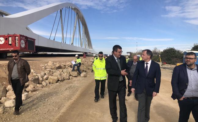 Fomento inicia la colocación del viaducto sobre el río Júcar incluido en la variante Cullera-Favara