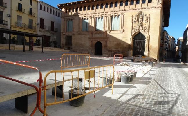 Xàtiva remodela la plaza de la Seo para su uso recreativo