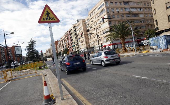 Señales descatalogadas en 2003 en la avenida del Cid por el desmontaje de las pasarelas