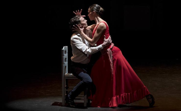 Fotos del ensayo general de 'Carmen', con la escenificación de Antonio Gades, que llega al Palau de les Arts