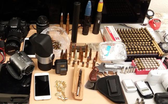 Intervenido un bolígrafo pistola a un presunto narcotraficante del Marítimo de Valencia