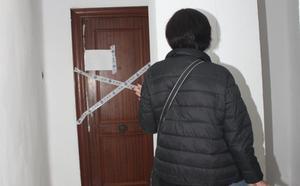 Hallan el esqueleto de un hombre de 45 años que llevaba muerto siete en su casa de Valencia