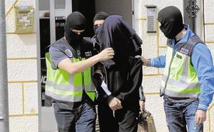 Interior aumenta el control de los 22 presos islamistas para evitar que recluten a otros internos