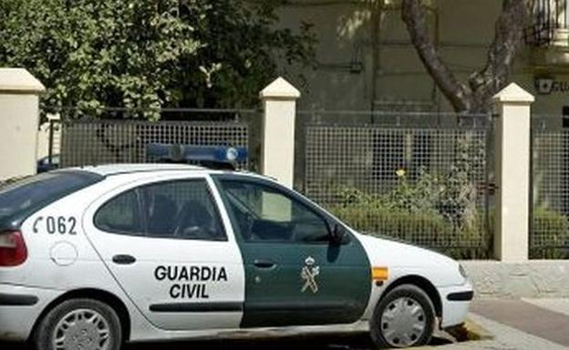 Coche patrulla de la Guardia Civil. /EFE