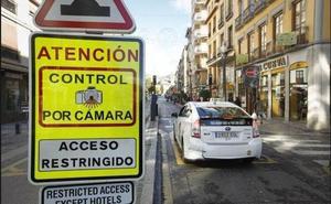 El Ayuntamiento pondrá cámaras para multar vehículos en cuatro zonas del centro de Valencia