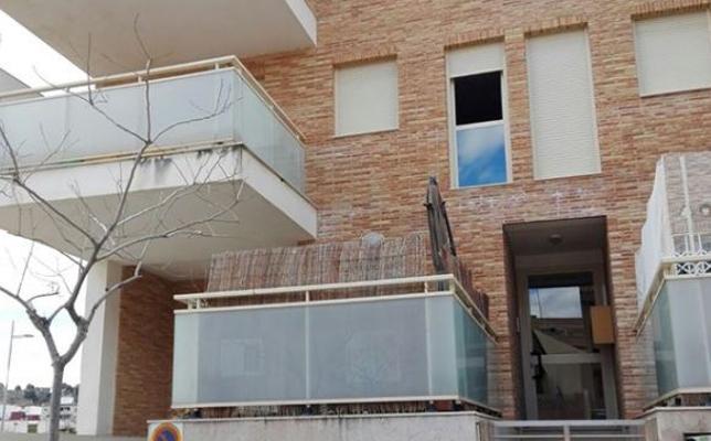 La Policía rescata a una bebé de 11 meses tras quedarse su madre encerrada en el balcón