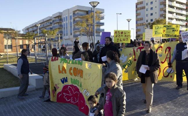 La Coma se moviliza para exigir más empleo, vivienda y recursos para reflotar el barrio