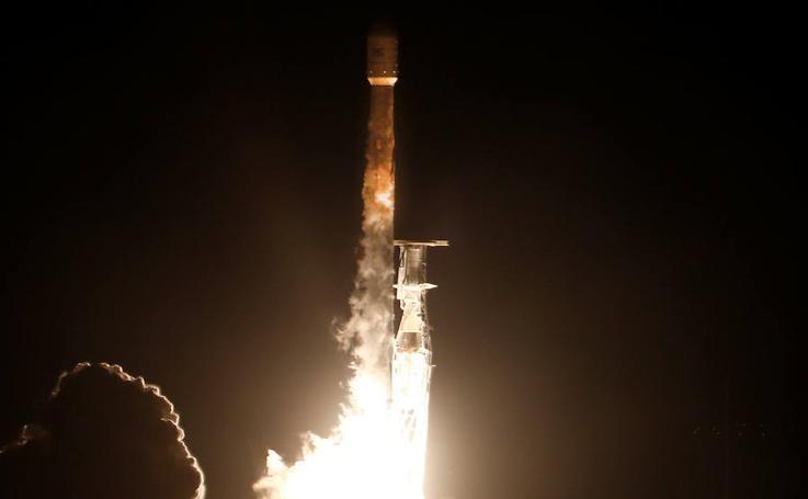 Fotos del lanzamiento del satélite espía español PAZ