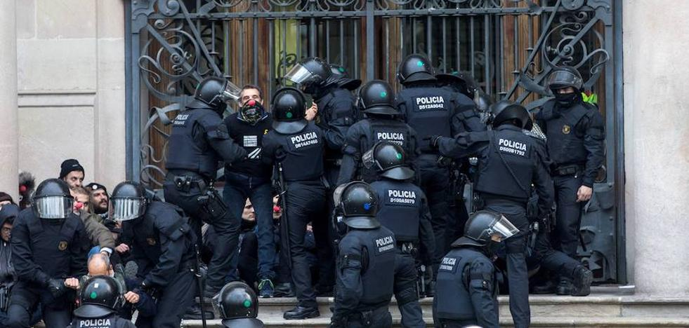 Montoro garantiza la equiparación salarial de todos los policías en tres años