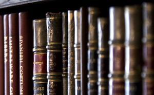 Devuelve un libro a la biblioteca medio siglo después de sacarlo